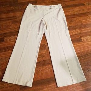 Cream Van Heusen Trousers Sz. 16R